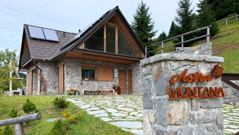Eco Chalet Astra Montana in Tolmin Slovenië